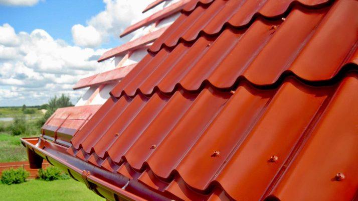 Пример крыши из металлочерепицы